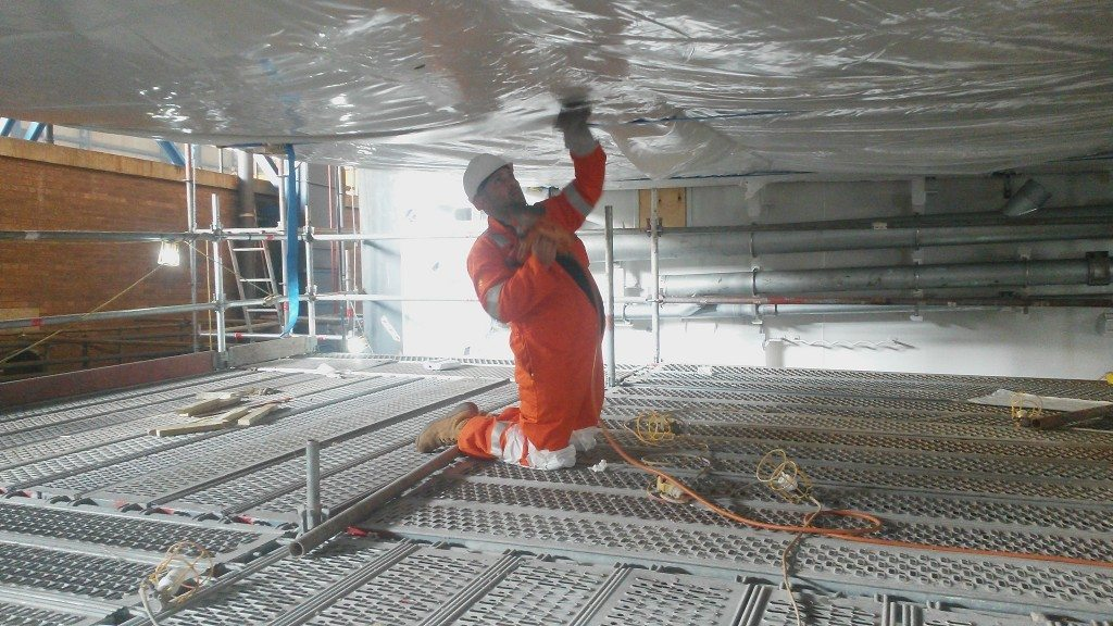 heavy industrial shrink wrapping